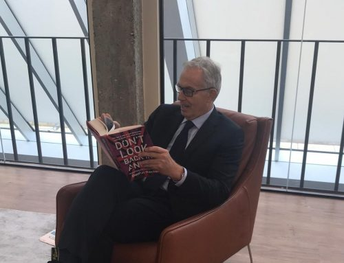 Tony Blair reading Don't Look Back in Anger